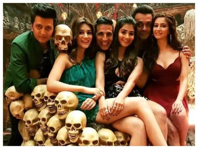 Housefull 4 Full Movie Review, Rating, Budget, Official Trailer & Official Trailer, Housefull 4 Box Office Collection, हॉउसफुल 4 रिव्यु, बॉक्स ऑफिस कलेक्शन, BOC